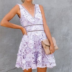 Dresses & Skirts - NWT LACE FLORAL DRESS